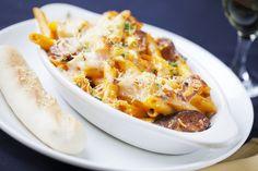 Kolbászos-sajtos tészta sütve - Recept   Femina Macaroni And Cheese, Ethnic Recipes, Food, Mac And Cheese, Meals