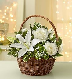 All White Flower Basket #Roses #Lilies  ᘡℓvᘠ□☆□ ❉ღϠ□☆□ ₡ღ✻↞❁✦彡●⊱❊⊰✦❁ ڿڰۣ❁ ℓα-ℓα-ℓα вσηηє νιє ♡༺✿༻♡·✳︎· ❀‿ ❀ ·✳︎· MON DEC 12, 2016 ✨ gυяυ ✤ॐ ✧⚜✧ ❦♥⭐♢∘❃♦♡❊ нανє α ηι¢є ∂αу ❊ღ༺✿༻✨♥♫ ~*~ ♪♕✫❁✦⊱❊⊰●彡✦❁↠ ஜℓvஜ