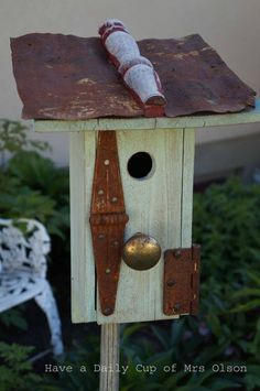 Like how they attached the birdhouse to the fork.