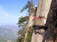 El lugar más peligroso del mundo: Montaña de Hua Shan  #lugar #place #montaña #mountain #Hua_Shan #ruta #route