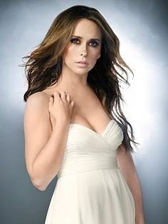 """What can we learn from """"The Ghost Whisperer?"""" Not much. Unless you're inspired by the stunning vintage-eclectic style of the lead character, Melinda Gordon, played by Jennifer L…"""