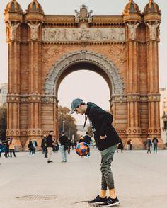 Kade Speiser, Jake Paul, Beautiful People, Barcelona, Louvre, Travel, Instagram, Te Amo, Viajes