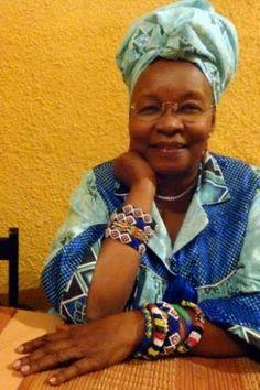 El libro de los amores prohibidos Marc Serena documenta quince historias de africanos que malviven el