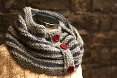 Ravelry: Silver Ridge Cowl pattern by T.Bunny Knit Free. 250-275 bulky yarns