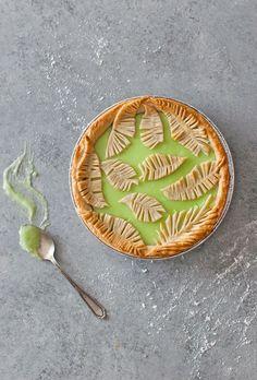 Fern Pie Crust Tutorial - cooking and cookies - Torten Tart Recipes, Sweet Recipes, Cooking Recipes, Sweet Pie, Sweet Tarts, Just Desserts, Delicious Desserts, Yummy Food, Pie Dessert