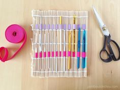 http://www.petitboutdechou.com/2016/04/diy-10-minute-inexpensive-crochet-hook-holder.html - Do it yourself project.