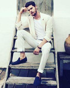 Campanha: Danilo Fonseca estrela a campanha de verão da #LadoAvesso, em foto de Marcio Rodrigues, estilo de Drica Cruz e beleza de Paulo Filatier. - #GBinspira #GBstyle #Fashion  #ModaMasculina #StreetStyle #HomemdeEstilo #Blogs #BlogGossipBoy #GB GB❤  Curta Gossip Boy no Facebook!