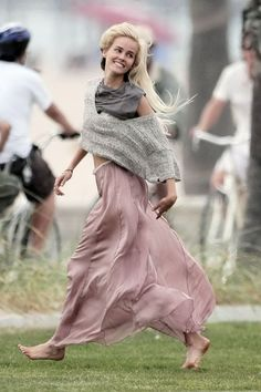 Isabelle Lucas wearing chic layers for fall. Blush silk maxi + cropped knit.