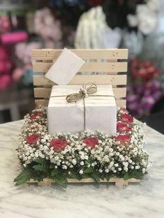 Wedding Gift Baskets, Wedding Gifts, Ramadan Decorations, Wedding Decorations, Birthday Surprise Husband, Diwali Gifts, Diy Mothers Day Gifts, Balloon Flowers, Diy Gift Box