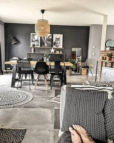 Discover recipes, home ideas, style inspiration and other ideas to try. Room Decor Bedroom, Living Room Decor, Living Comedor, Beautiful Living Rooms, Home Staging, House Rooms, Interior Design Kitchen, Apartment Living, Interior Styling