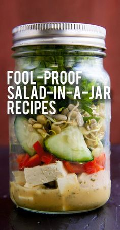 Salad-In-A-Jar How to Make Mason Jar Salads + 4 Fool-Proof Salad in a Jar Recipes - Wholefully Healthy Meal Prep, Healthy Snacks, Healthy Eating, Healthy Recipes, Mason Jar Meals, Meals In A Jar, Mason Jars, Mason Jar Lunch, Salad In A Jar