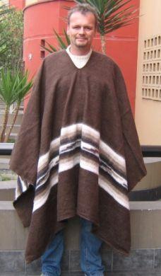 Brauner #Poncho für #Herren aus #Alpakawolle