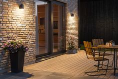 Lighting Tips For Your Garden - A Guide In Choosing The Best Lights Garden Lighting Guide, Outdoor Garden Lighting, Outdoor Trees, Garden Wall Lights, Garden Lanterns, Facade Lighting, Porch Lighting, Lighting Design, House Extension Design
