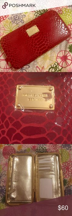 VINTAGE Michael Kors Burgundy Snakeskin Clutch NEW Snakeskin Leather MK clutch with 12+ card holders, Change and money pockets MICHAEL Michael Kors Bags Wallets