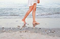 Poznáte ten pocit keď opúchajú nohy? V letných mesiacoch opuchy nôh trápia oveľa viac ľudí ako inokedy.
