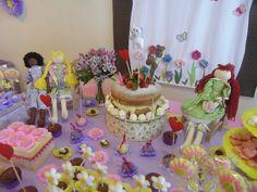 festa jardim, corações, gatinhos e cachorrinhos. Dona Maricota festas criativas e sustentáveis.