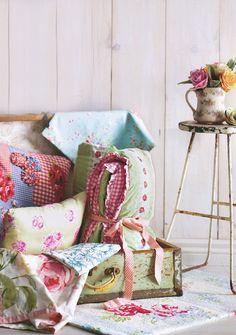 pillow cover  My Garden Cherries: Regina dei giardini