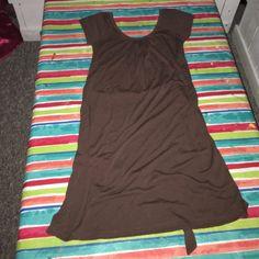 Cute simple brown scoop neck dress Simple cute scoop neck dress with tie back belt and cap sleeves Derek Heart Dresses