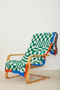 Packaging Inspiration, Outdoor Chairs, Outdoor Furniture, Textiles, Knitted Throws, Soft Furnishings, Decoration, Red And Blue, Chairs
