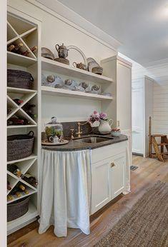 Coastal Farmhouse Kitchen Trend