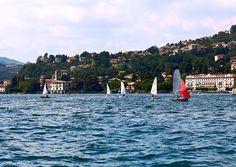 Sul lago di Como in barca a vela