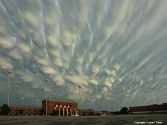 Mammatus Clouds over Nebraska #meteorology  pic.twitter.com/VojFeTwhhO