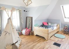 Dans la chambre de Cécile ou tout simplement la plus belle chambre de petite fille de 3 ans :)  #danslamaison #deco #danslacabine @The Pepin Shop - Espace Pepin