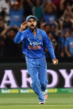 Virat Kohli gives a send-off to Steve Smith with a fine catch. Anushka Sharma Virat Kohli, Virat And Anushka, India Cricket Team, Cricket Sport, Virat Kohli Instagram, Virat Kohli Wallpapers, Cricket Wallpapers, Ab De Villiers, Steve Smith