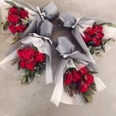 Ideas Flowers Bouquet Wrapping Floral For 2019 Flower Boquet, Red Rose Bouquet, Gift Bouquet, Bouquet Wrap, Amazing Flowers, Beautiful Flowers, How To Wrap Flowers, Flower Garden Design, Luxury Flowers
