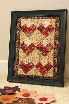 Valentine quilt--free pattern,,,,totally awesome to use this design to make a paper quilt card! Quilting Tutorials, Quilting Projects, Quilting Designs, Small Quilts, Mini Quilts, Paper Quilt, Paper Piecing, Patch Aplique, Miniature Quilts