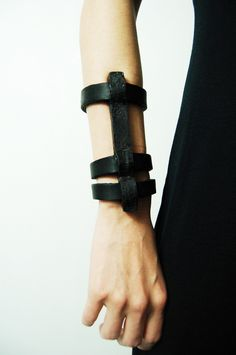 ANU TERA IRON CAGE BRACELET – Sisters Of The Black Moon