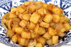 How to make Korean Braised Potatoes, Gamja Jorim 감자조림 Authentic Korean Food, Best Korean Food, Easy Korean Recipes, Asian Recipes, Ethnic Recipes, Asian Foods, Korean Food Side Dishes, Korean Potatoes, K Food