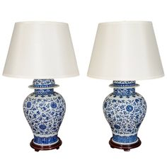 Pair Of Blue And White Porcelain Chinese Temple Jar Lamps Blue And White Lamp, Blue And White China, Chesapeake House, Ginger Jar Lamp, Interior Concept, Interior Design, Chinoiserie Chic, White Decor, Contemporary Decor