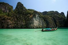Phi phi island best place to visit thailand when travel in asia Visit Thailand, Hotel Thailand, Phi Phi Island, Exotic Beaches, Online Travel, Krabi, Beach Holiday, Best Vacations, Phuket