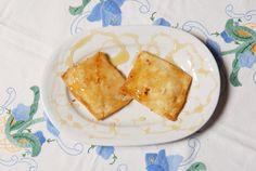 """Κατιμέρια - """"Katimeria"""" from Kos.Pies made with sugar, flour, honey, salt, lemon, water, butter, olive oil. Lemon Water, Kos, Olive Oil, Salt, Honey, Butter, Sweets, Sugar, Ethnic Recipes"""