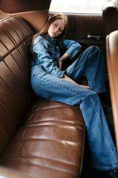 #denim #denimondenim #denimshirt #jeans #widelegjeans #doubledenim #doubledenimoutfit #denimoutfit #calvinklein