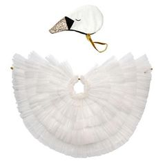 Meri Meri Swan Cape Dress Up This delightful dress-up kit will instantly transform your little one into a beautiful swan. Featuring delicate tulle wings and a headpiece crafted from soft velvet, cotton and glittery fabric with embroidered details. Dress Up Outfits, Dress Up Costumes, Kids Outfits, Baby Costumes, Halloween Costumes, Animal Costumes, Halloween 2020, Fancy Dress For Kids, Kids Dress Up