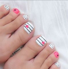 46 Cute Toe Nail Art Designs - Adorable Toenail Designs for Beginners-- Whether you're heading off on holiday, or simply wearing a pair of sandals or open-toed heels for a special occasion, it's vitally important that you ensure eve Cute Toe Nails, Toe Nail Art, Fancy Nails, Diy Nails, Pretty Nails, Acrylic Nails, Toe Nail Polish, Gel Toe Nails, Painted Toe Nails