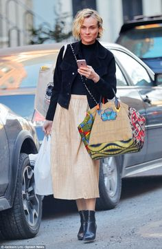 Stylish star! The 40-year-old actress appeared effortlessly en vogue while running errands...
