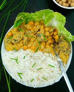 Chickpea curry with silky tofu Firm Tofu Recipes, Best Tofu Recipes, Easy Healthy Recipes, Veggie Recipes, Chickpea Curry, Scrambled Tofu Recipe, Foods With Gluten, Vegan Dishes, Salads