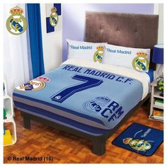 Real Madrid Fuzzy Fleece Blanket one size for full and queen - A Bit Unique Boutique Boys Football Bedroom, Manchester United, Soccer Room, Real Madrid Football, Barcelona, Boys Bedroom Decor, Cristiano Ronaldo, Ronaldo Soccer, Bed Covers