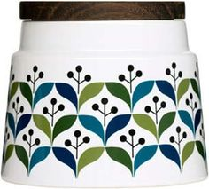 Size: 17 oz. Stoneware Charming graphic. Make your practical moments bolder with good design. The series of RETRO best exemplifies a straightforward yet reserve