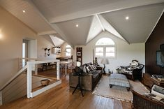 4 Fabulosas Residências – Habitare Wooden Garden Edging, House Design, Ceiling Lights, Lighting, Home Decor, Log Projects, Arquitetura, Houses, Living Room