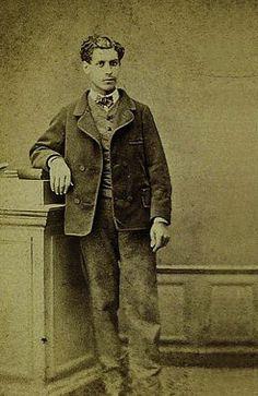 Isidore Lucien Ducasse (4 de abril de 1846 –  24 de noviembre de 1870),  Conde de Lautréamont