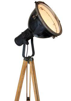 luze   Verlichting   360volt. De grootste collectie oude originele industrielampen. Gespecialiseerd in fabrieks-, emaille en de industriele lampen.