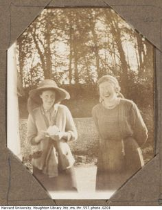 Virginia Woolf and Katherine Cox standing outdoors, 1912