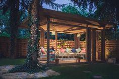 Dacă beneficiezi de o curte sau o grădină, cu siguranță ți-ai dori un colț unde să te poți bucura de timp liber petrecut în aer liber. Și pentru că oricine și-ar dori și protecție față de soarele i…