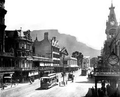 Adderley Street Cape Town looking towards Table Mountain 1898 Old Pictures, Old Photos, Vintage Photos, Cities In Africa, Beach Buggy, Cape Town South Africa, Table Mountain, Most Beautiful Cities, African History