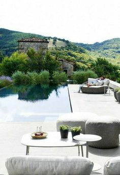 Oh gosh - yes please!!! I wish this was my home!
