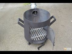 Bbq Grill, Grilling, Gas Bottle Wood Burner, Rocket Stove Design, Rocket Stoves, Charcoal Grill, House Plans, Meat Smokers, Outdoor Decor